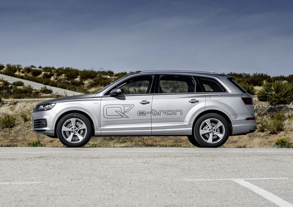 Фотография экоавто Audi Q7 e-tron Quattro - фото 12