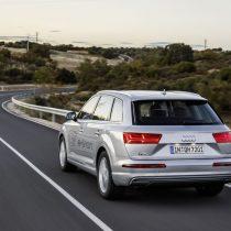 Фотография экоавто Audi Q7 e-tron Quattro - фото 23