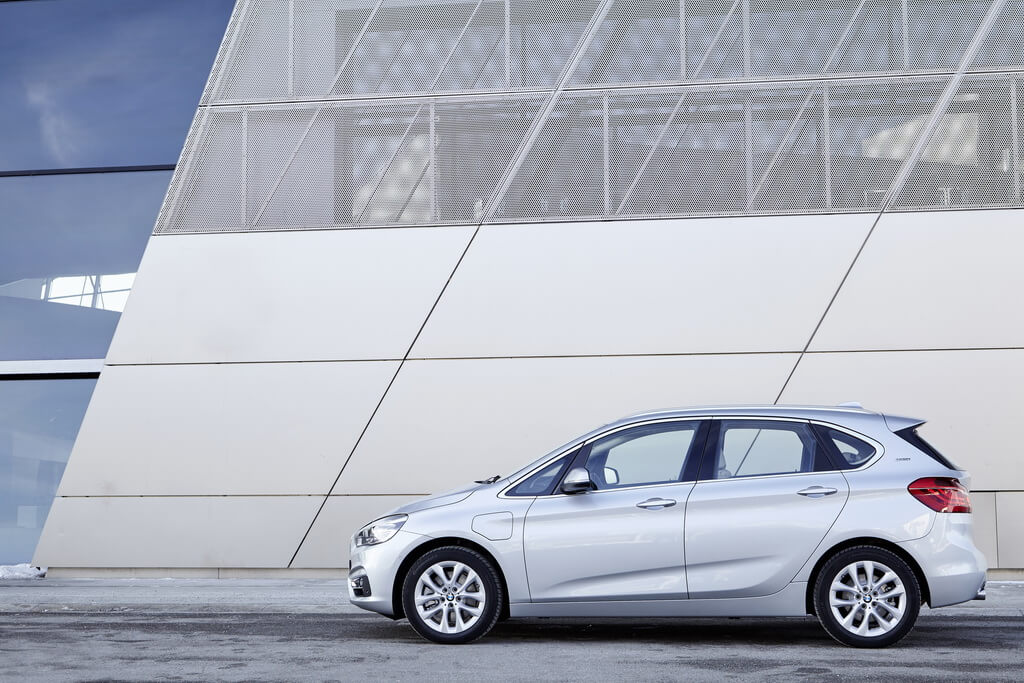 Фотография экоавто BMW 225xe Active Tourer - фото 20