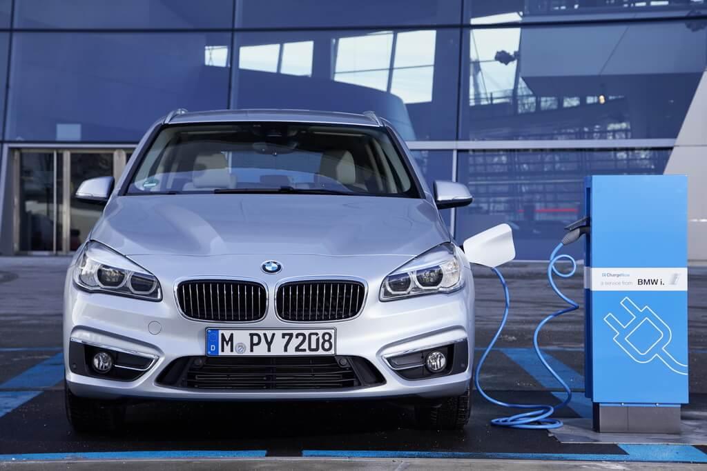 Фотография экоавто BMW 225xe Active Tourer - фото 16
