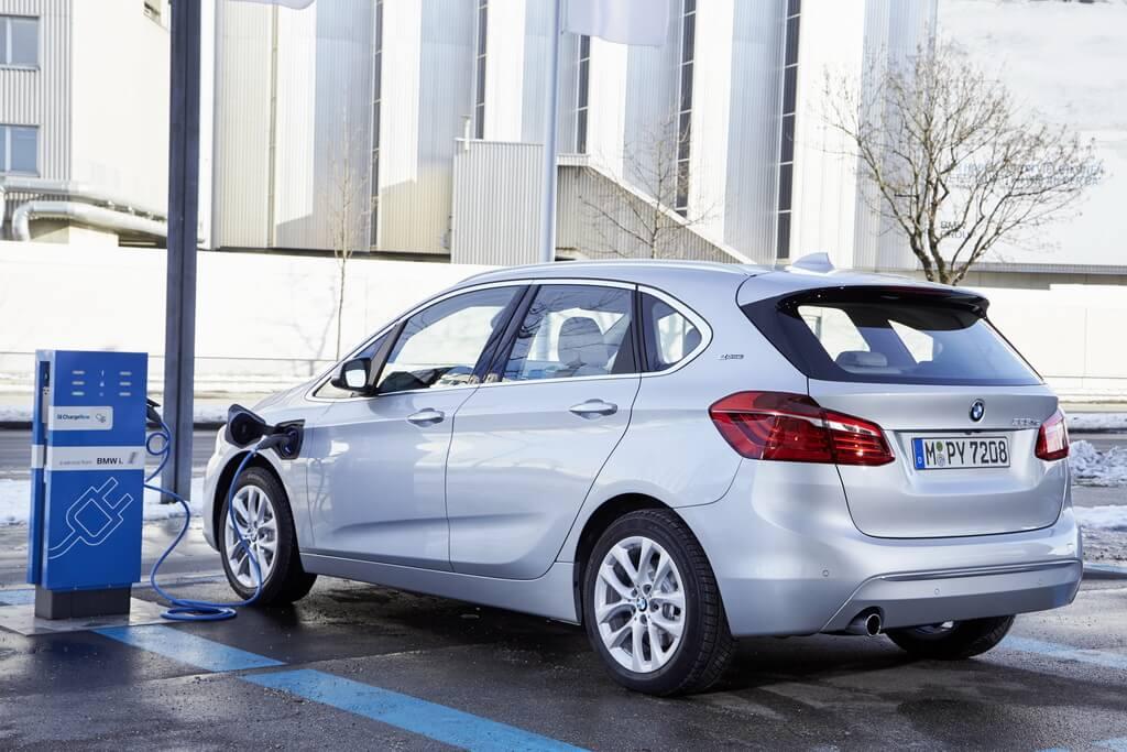 Фотография экоавто BMW 225xe Active Tourer - фото 15