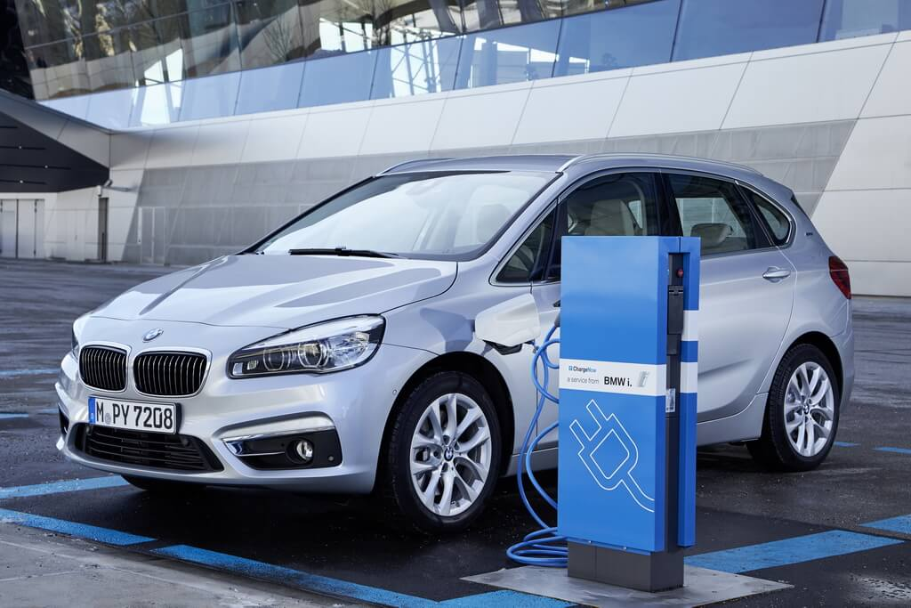Фотография экоавто BMW 225xe Active Tourer - фото 14