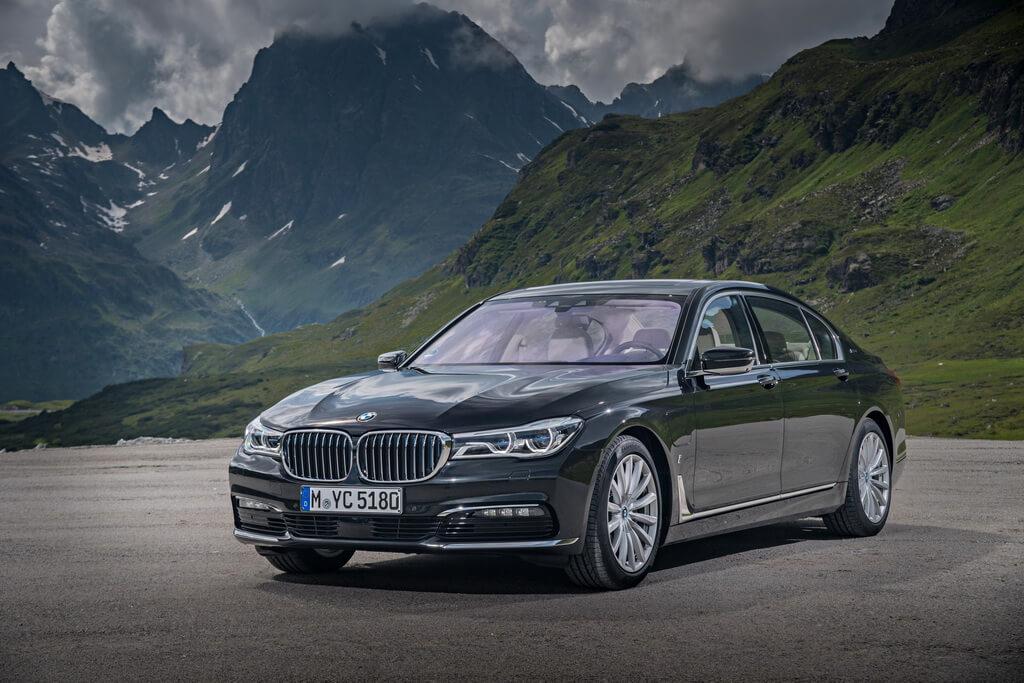Фотография экоавто BMW 740e xDrive iPerformance - фото 5