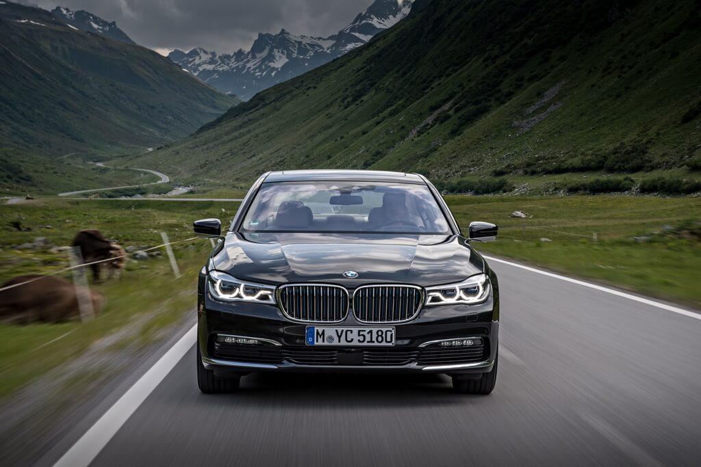 Фотография экоавто BMW 740e xDrive iPerformance - фото 20