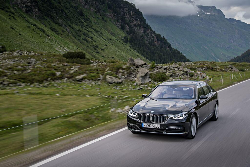 Фотография экоавто BMW 740e xDrive iPerformance - фото 21