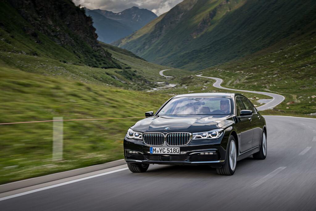 Фотография экоавто BMW 740e xDrive iPerformance - фото 23