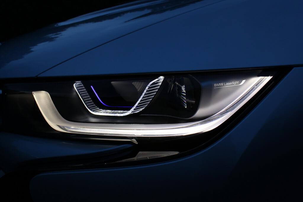 Фотография экоавто BMW i8 - фото 29