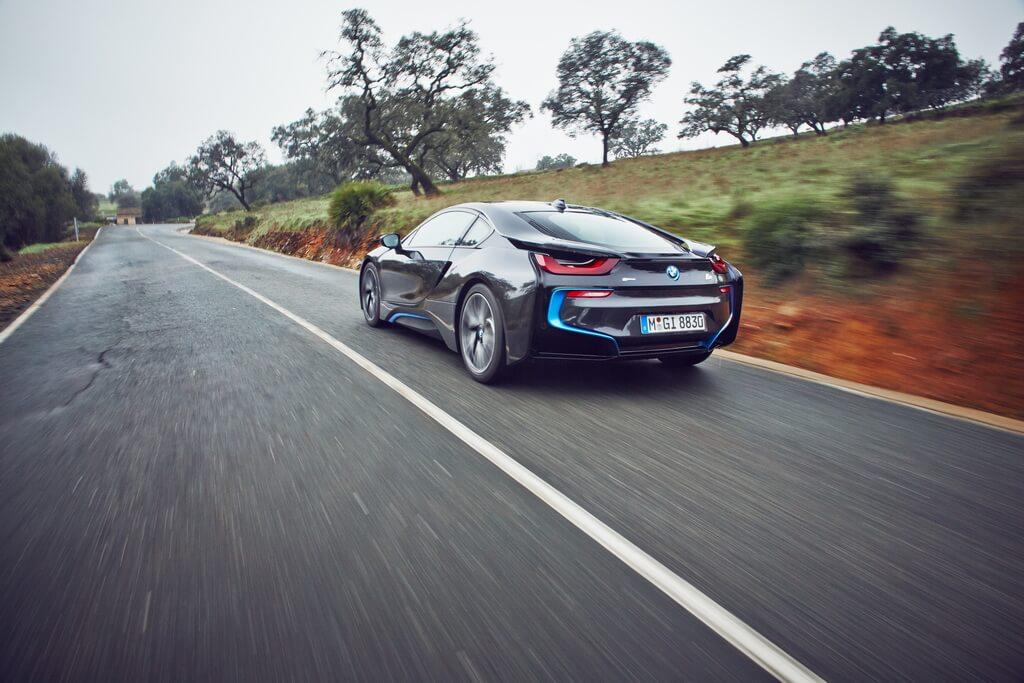 Фотография экоавто BMW i8 - фото 36