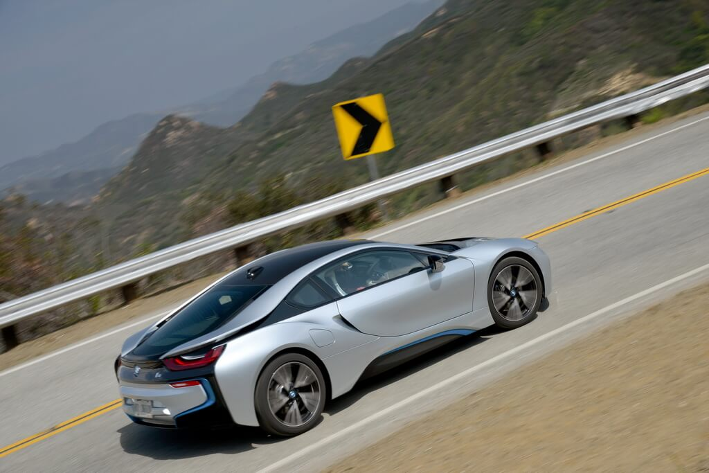 Фотография экоавто BMW i8 - фото 64