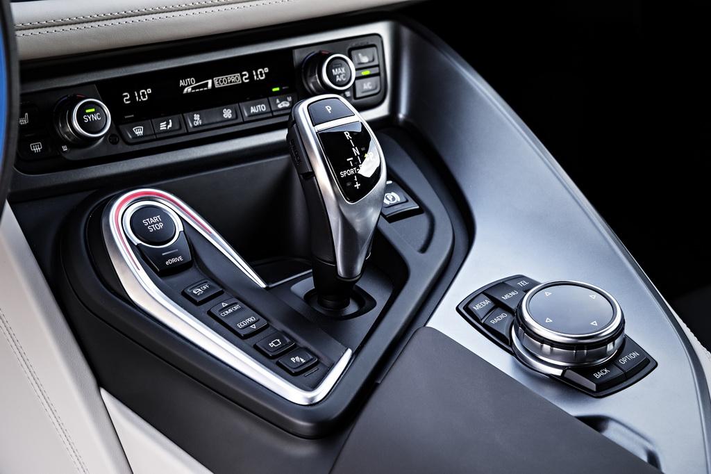 Фотография экоавто BMW i8 - фото 117