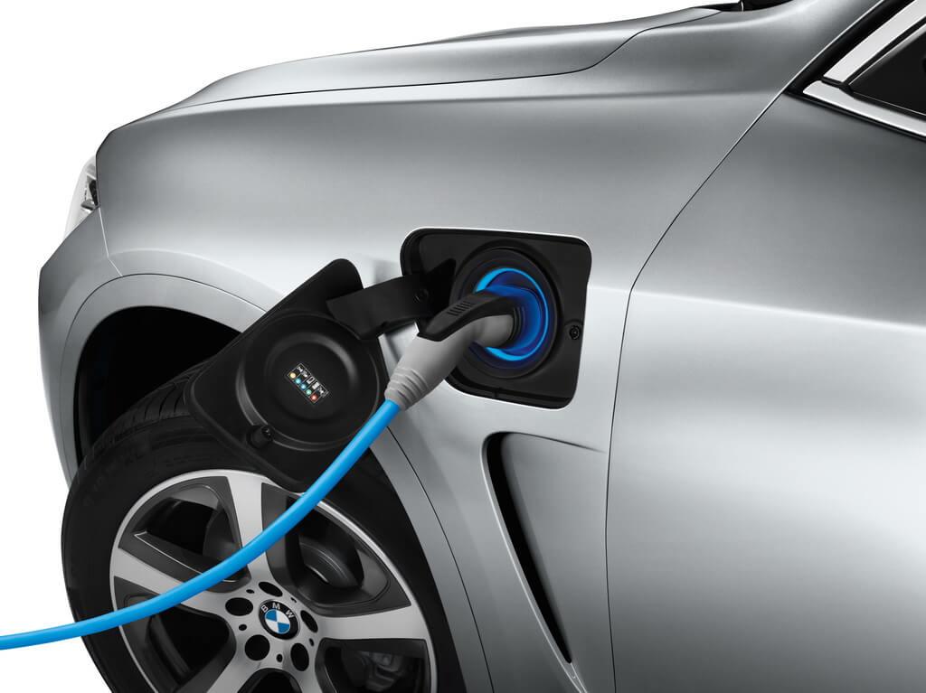 Фотография экоавто BMW X5 xDrive40e - фото 5