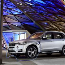 Фотография экоавто BMW X5 xDrive40e - фото 9