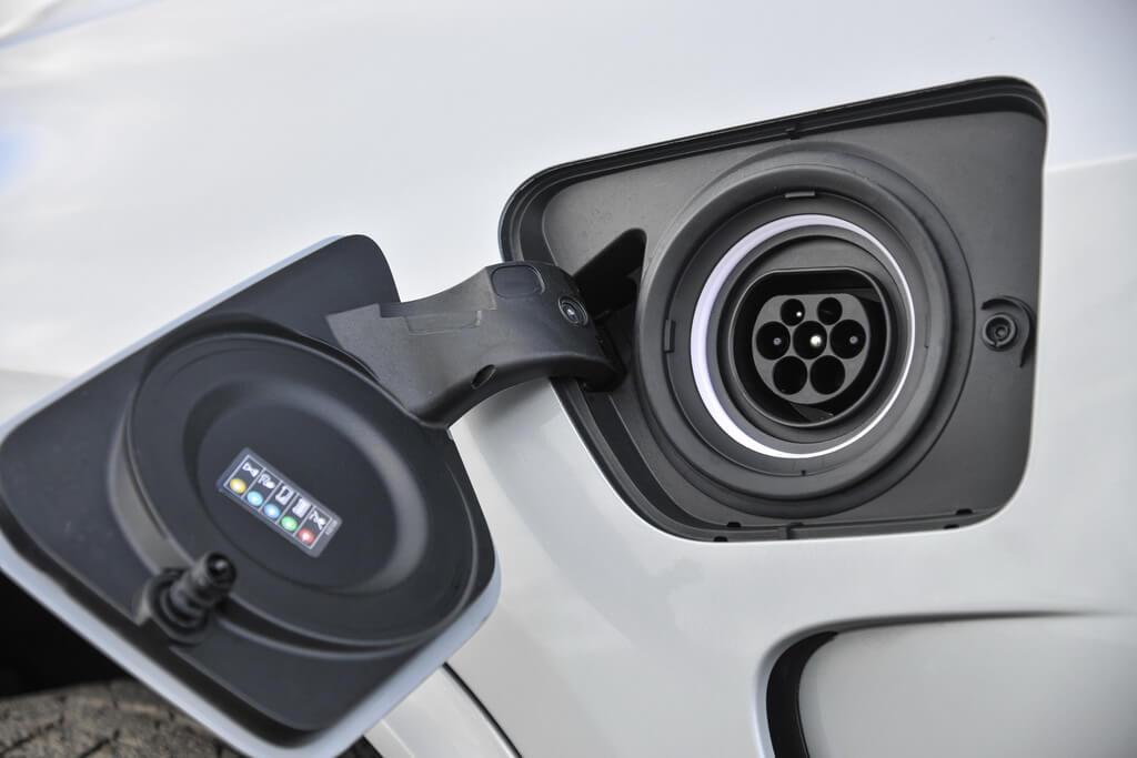 Фотография экоавто BMW X5 xDrive40e - фото 36