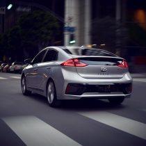 Фотография экоавто Hyundai Ioniq Hybrid - фото 25