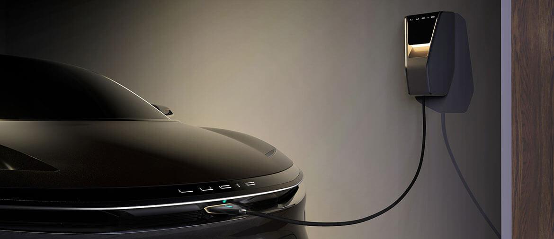 Зарядка электромобиля Lucid Air