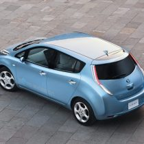 Фотография экоавто Nissan Leaf 2010 (24 кВт•ч) - фото 2