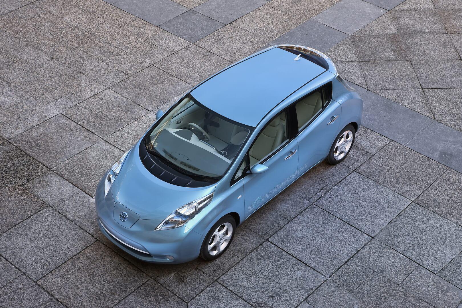 Фотография экоавто Nissan Leaf 2010 (24 кВт•ч) - фото 4