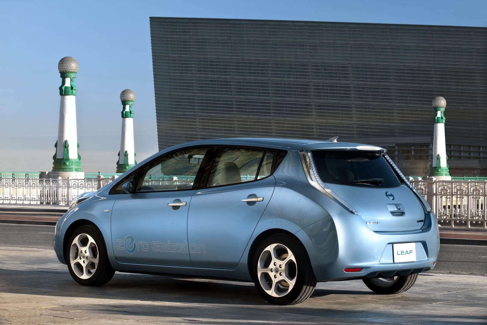 Фотография экоавто Nissan Leaf 2010 (24 кВт•ч) - фото 7