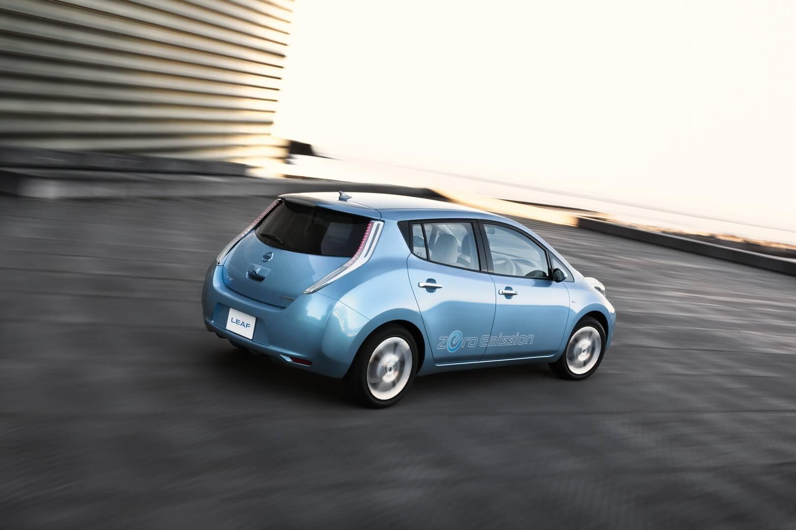 Фотография экоавто Nissan Leaf 2010 (24 кВт•ч) - фото 8