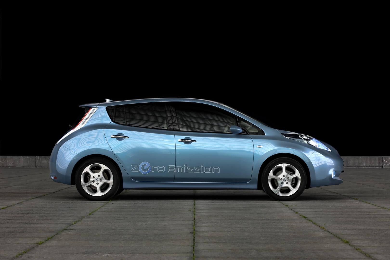 Фотография экоавто Nissan Leaf 2010 (24 кВт•ч) - фото 9