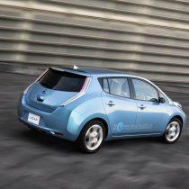 Фотография экоавто Nissan Leaf 2010 (24 кВт•ч) - фото 10