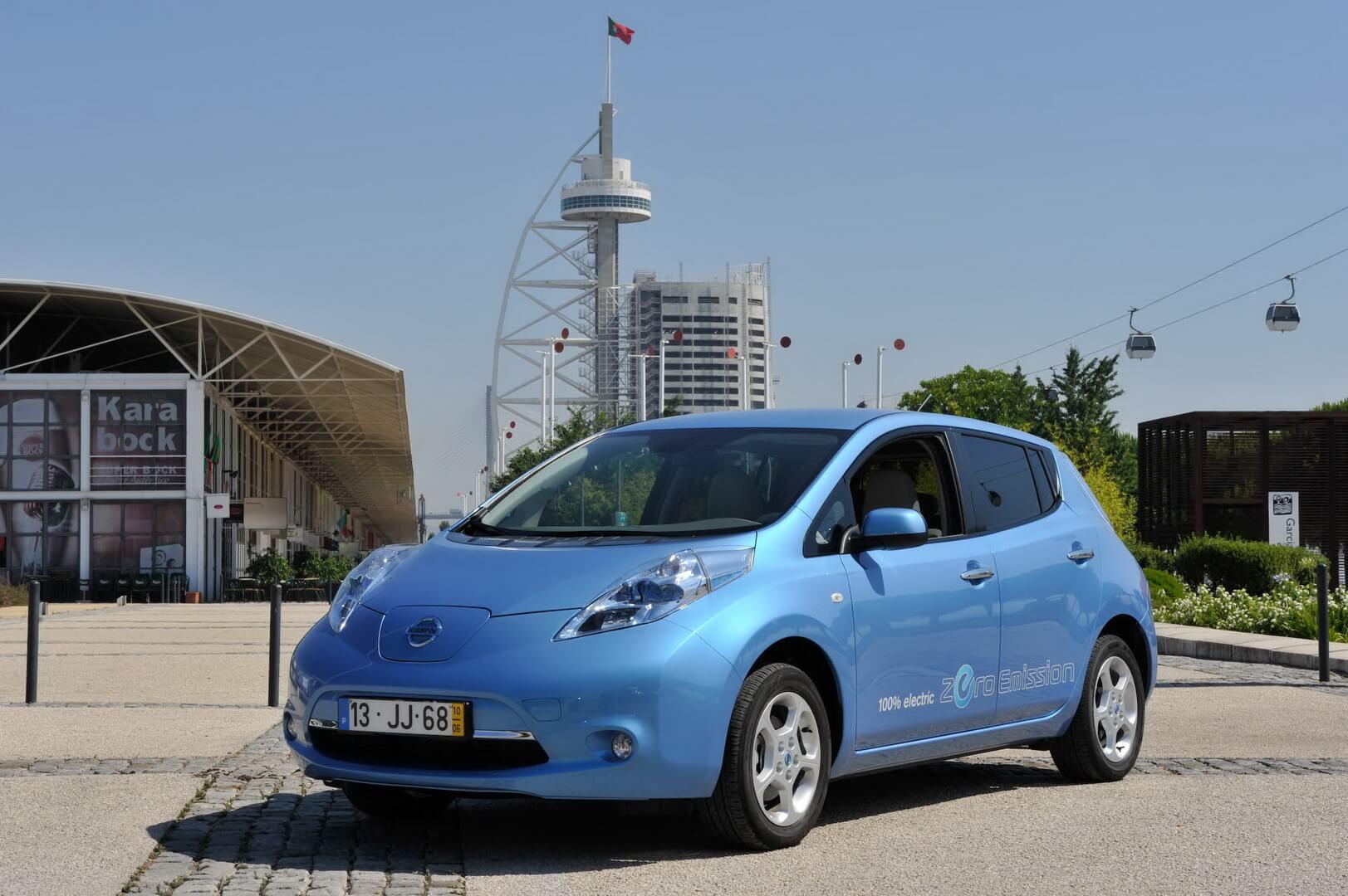 Фотография экоавто Nissan Leaf 2010 (24 кВт•ч) - фото 13