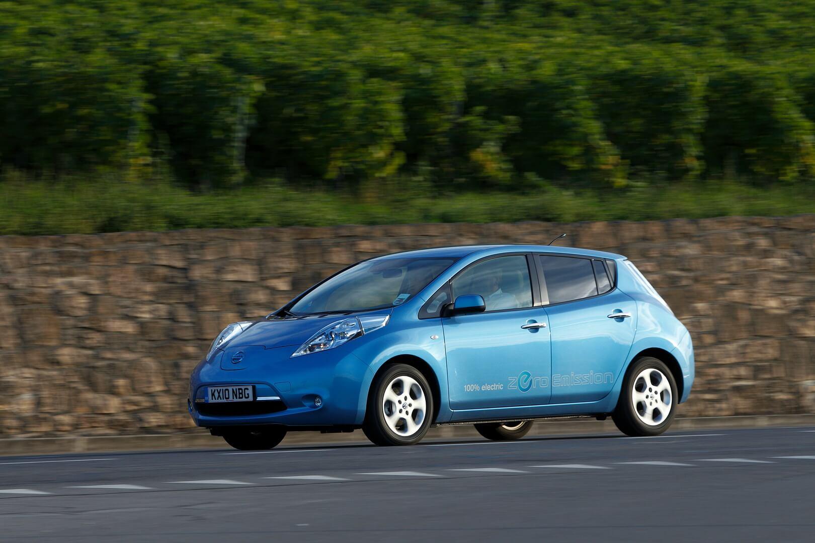 Фотография экоавто Nissan Leaf 2010 (24 кВт•ч) - фото 14