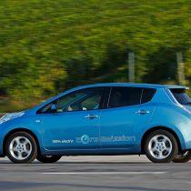 Фотография экоавто Nissan Leaf 2010 (24 кВт•ч) - фото 15