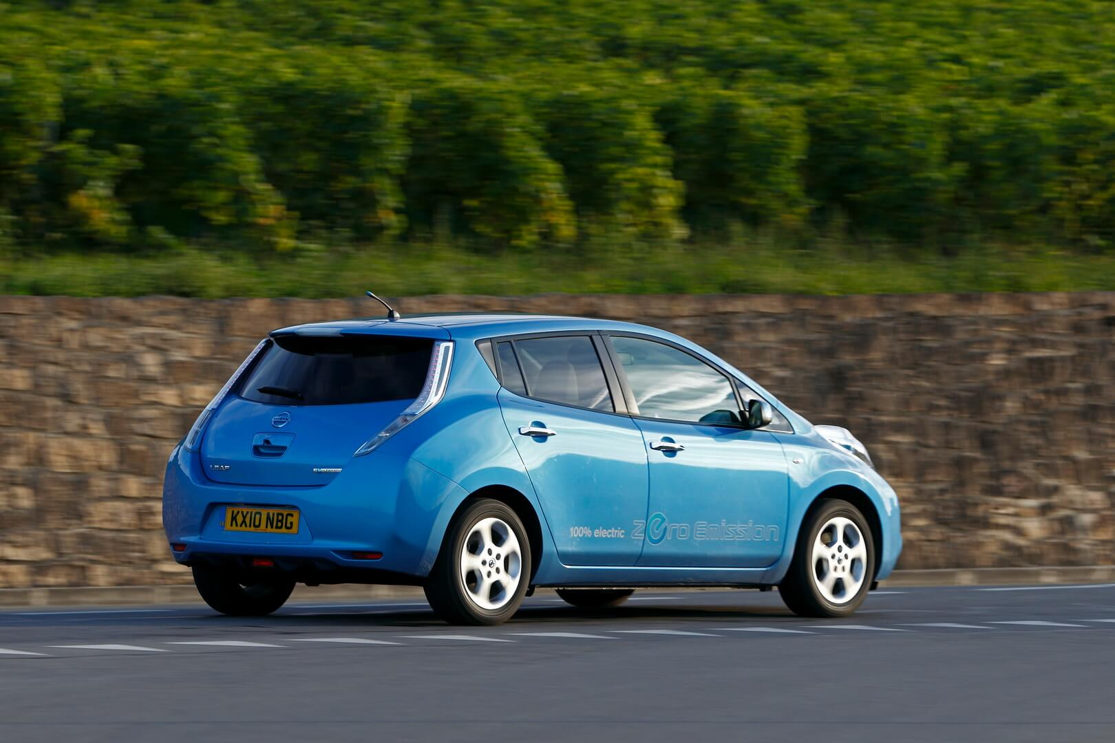 Фотография экоавто Nissan Leaf 2010 (24 кВт•ч) - фото 16