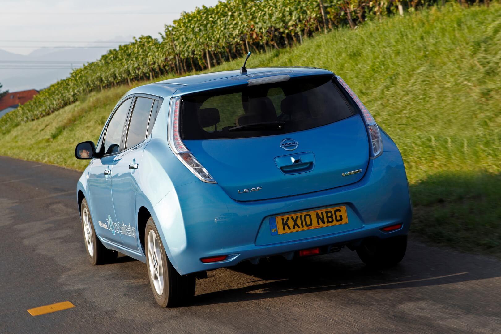 Фотография экоавто Nissan Leaf 2010 (24 кВт•ч) - фото 18