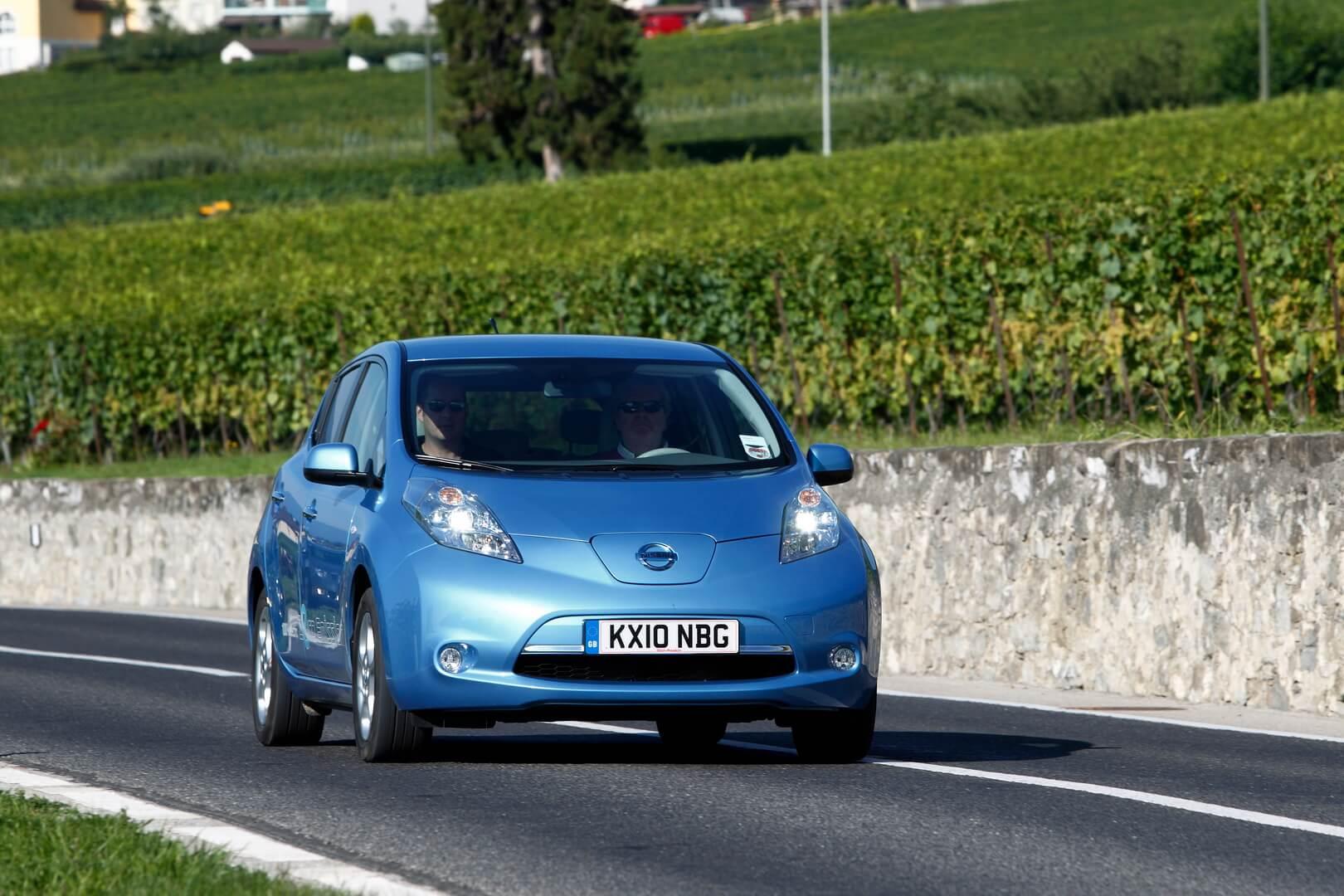 Фотография экоавто Nissan Leaf 2010 (24 кВт•ч) - фото 19