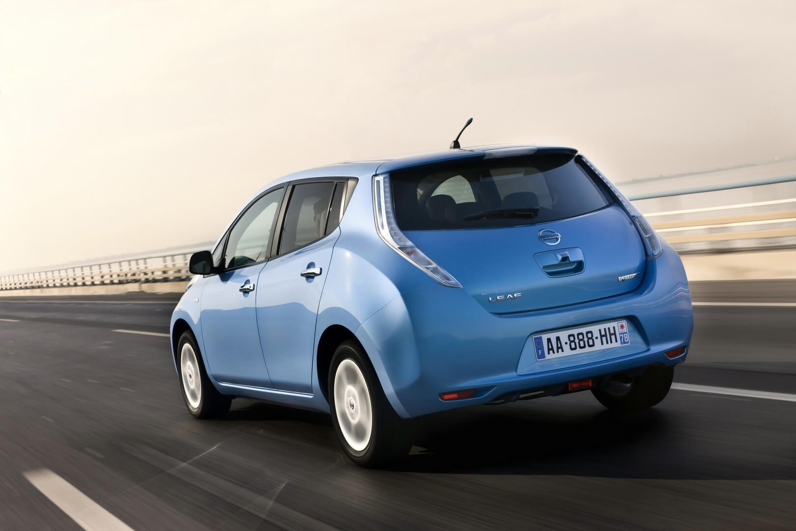 Фотография экоавто Nissan Leaf 2010 (24 кВт•ч) - фото 23