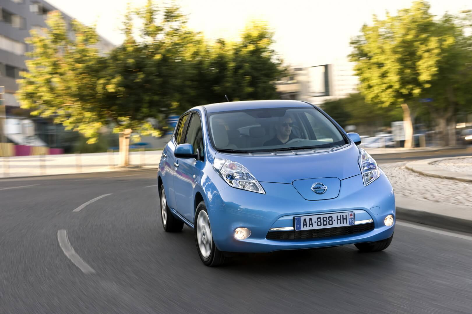 Фотография экоавто Nissan Leaf 2010 (24 кВт•ч) - фото 27