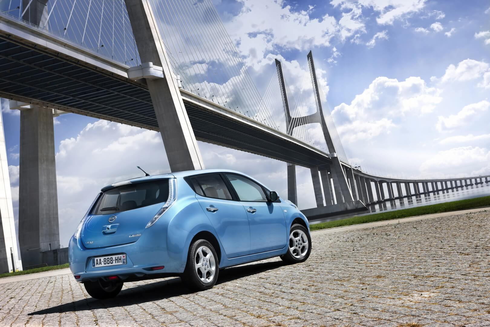 Фотография экоавто Nissan Leaf 2010 (24 кВт•ч) - фото 28