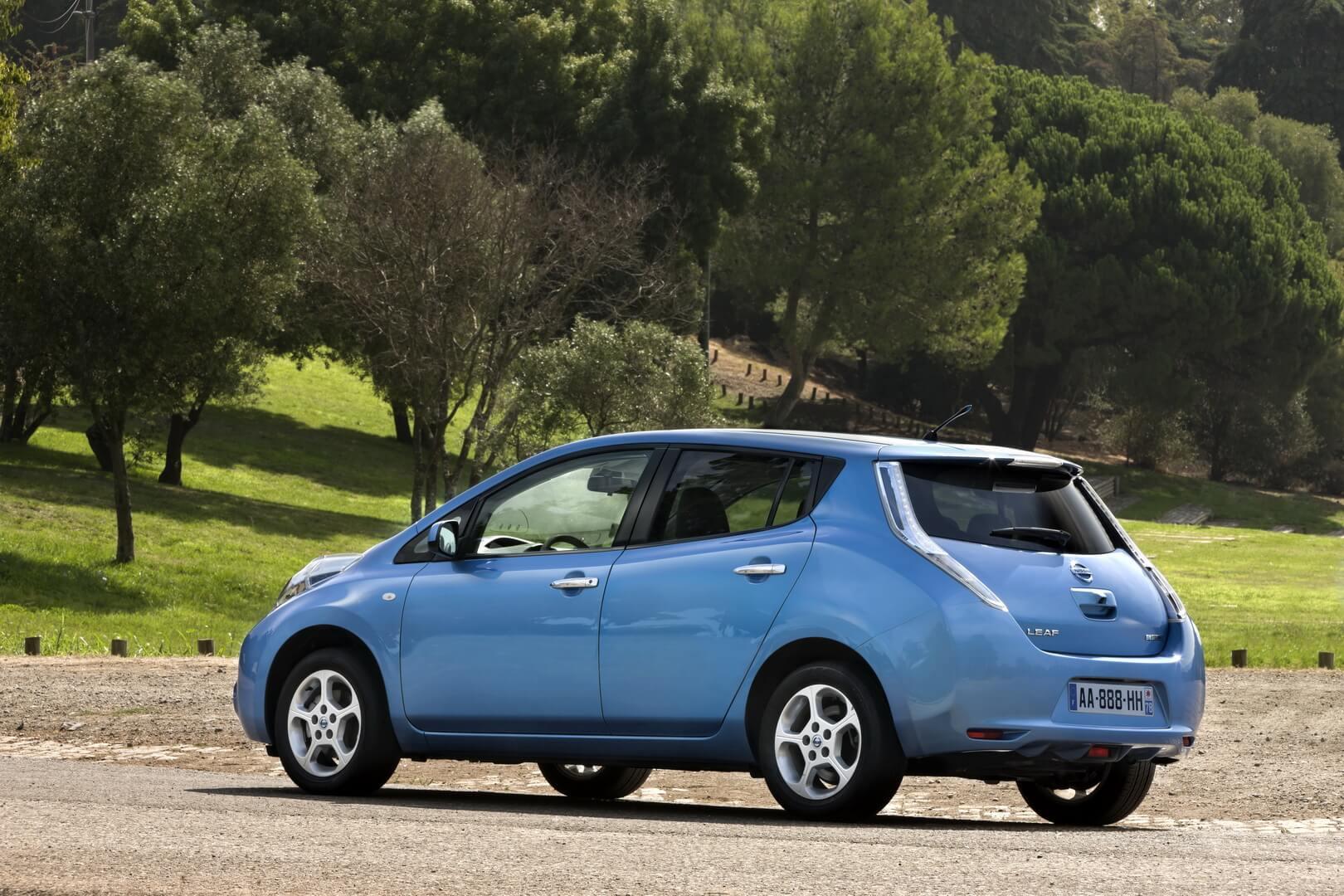 Фотография экоавто Nissan Leaf 2010 (24 кВт•ч) - фото 30