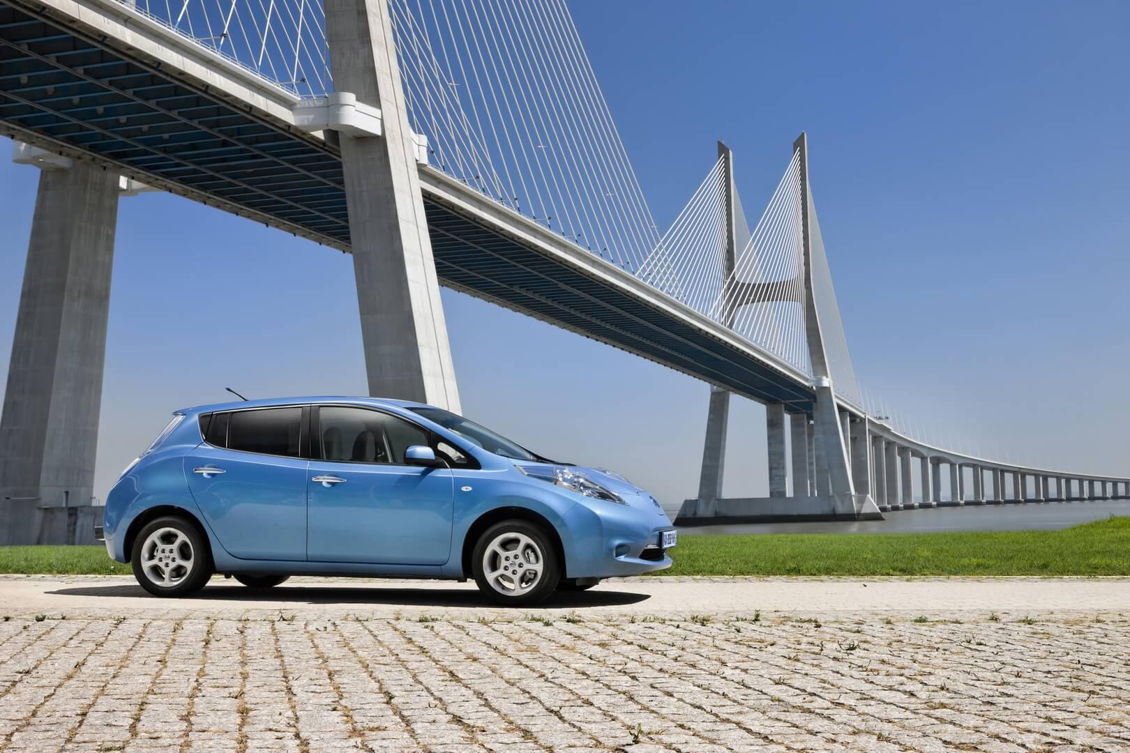 Фотография экоавто Nissan Leaf 2010 (24 кВт•ч) - фото 31