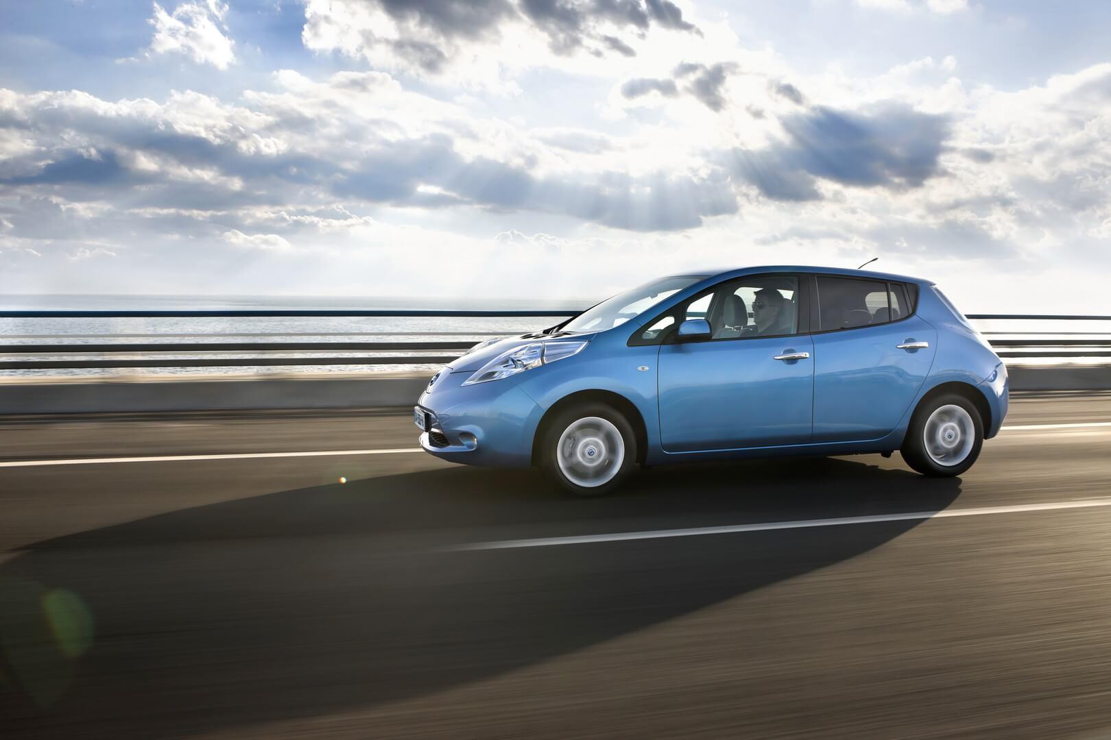 Фотография экоавто Nissan Leaf 2010 (24 кВт•ч) - фото 36