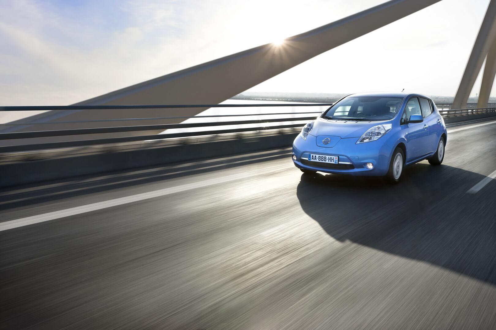 Фотография экоавто Nissan Leaf 2010 (24 кВт•ч) - фото 42