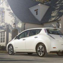 Фотография экоавто Nissan Leaf 2016 (24-30 кВт•ч) - фото 2
