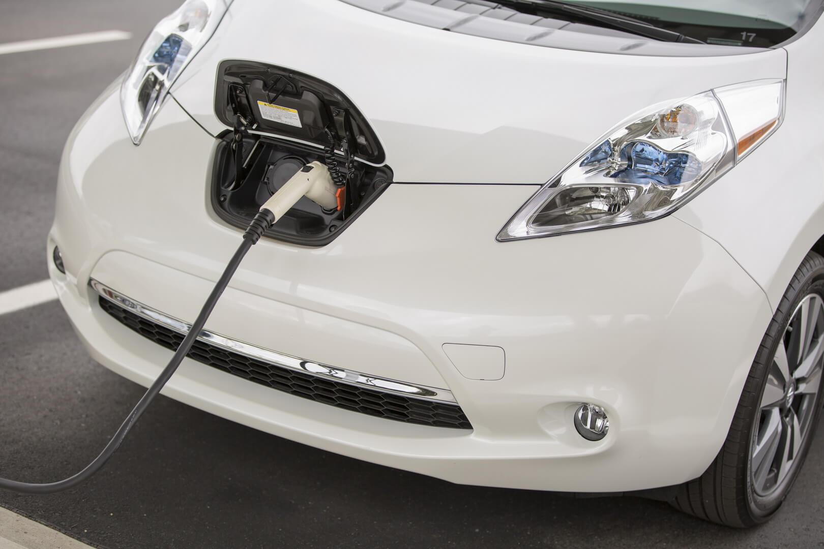 Фотография экоавто Nissan Leaf 2016 (24-30 кВт•ч) - фото 24