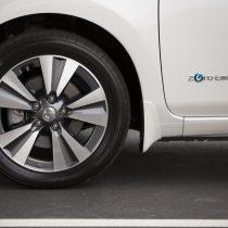 Фотография экоавто Nissan Leaf 2016 (24-30 кВт•ч) - фото 25
