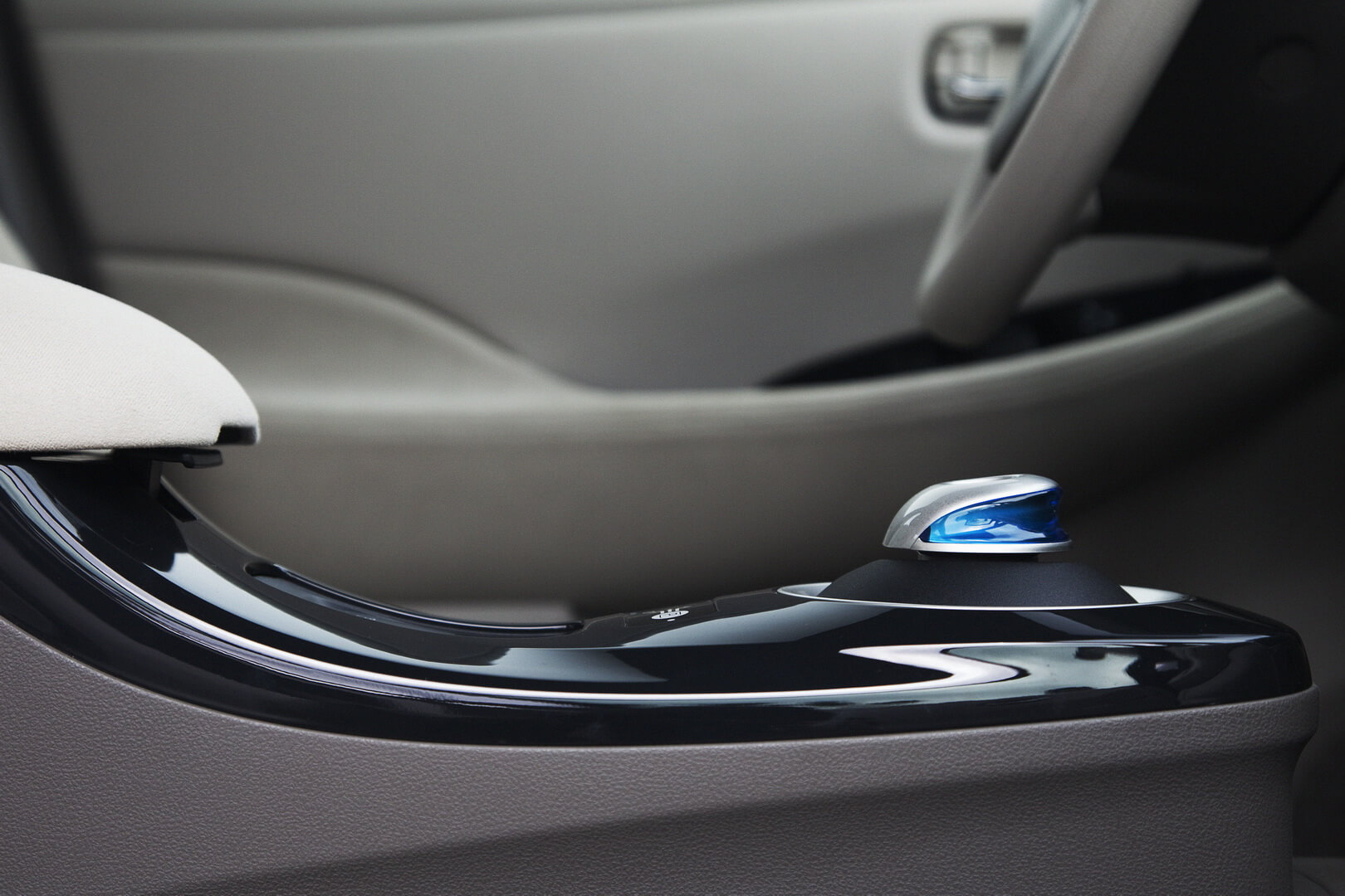 Фотография экоавто Nissan Leaf 2010 (24 кВт•ч) - фото 48