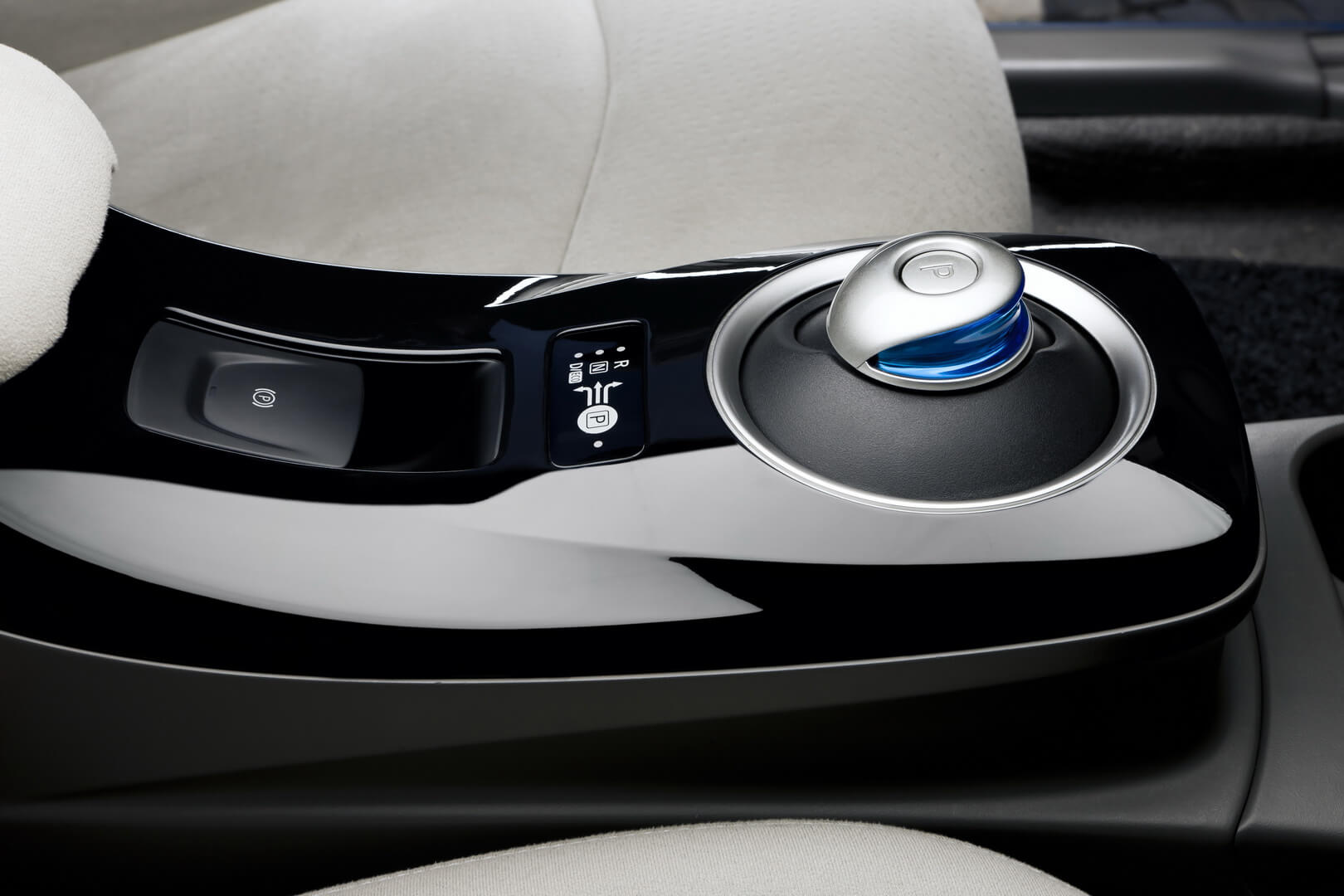 Фотография экоавто Nissan Leaf 2010 (24 кВт•ч) - фото 54