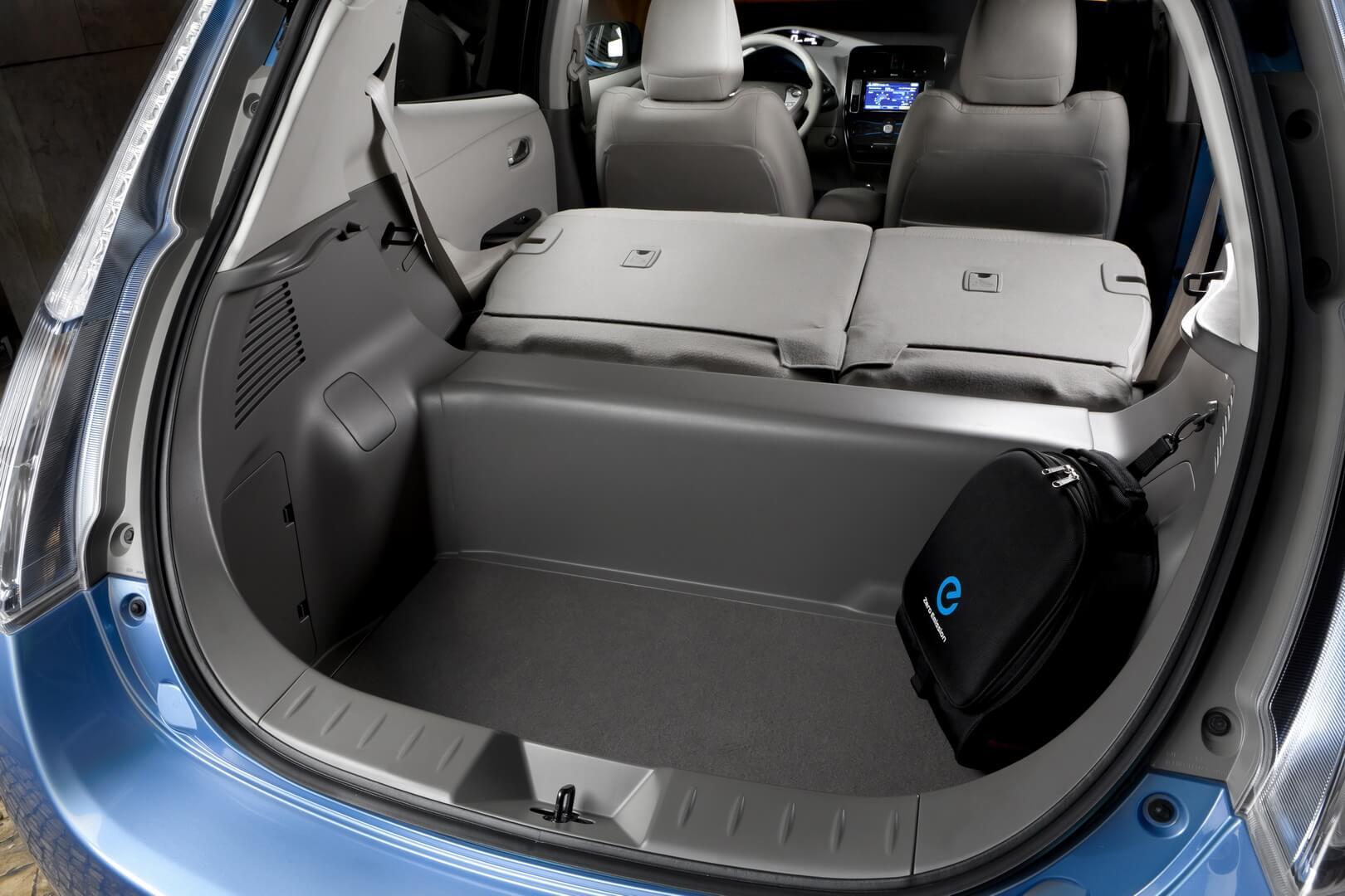 Фотография экоавто Nissan Leaf 2010 (24 кВт•ч) - фото 59