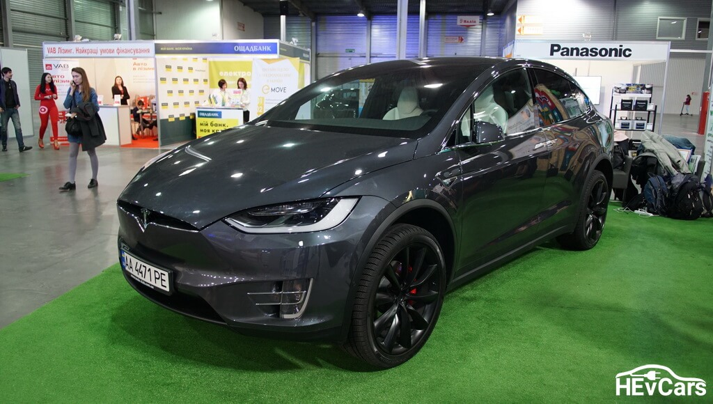 Tesla Model X на выставке Plug-In Ukraine 2017