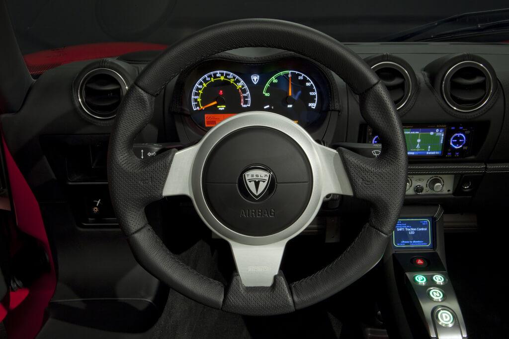 Фотография экоавто Tesla Roadster 2.5 2012 - фото 10
