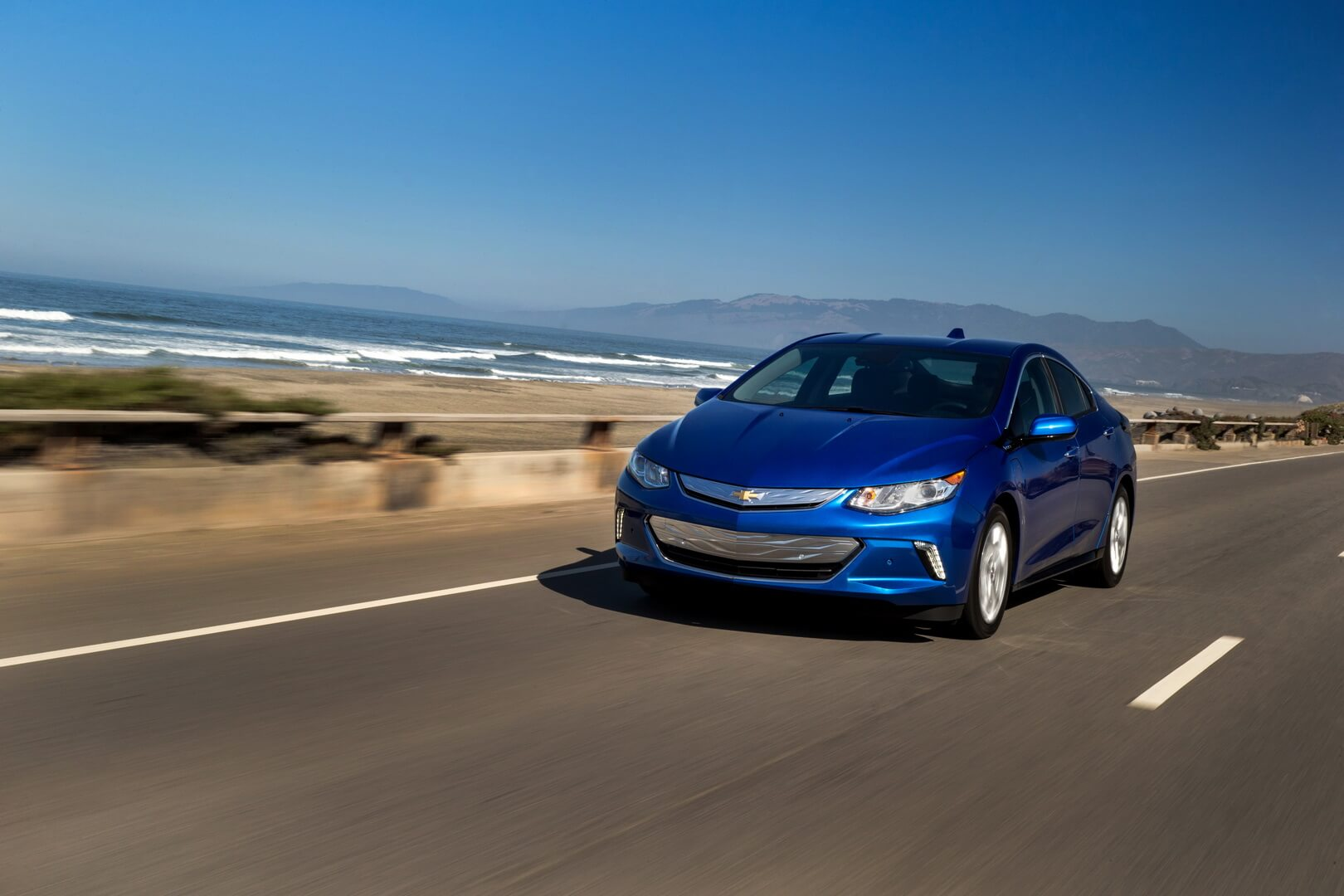 Фотография экоавто Chevrolet Volt 2016 - фото 10