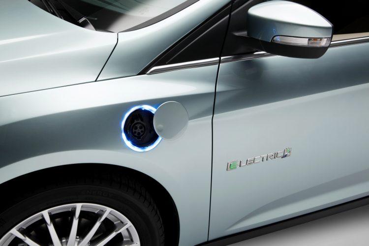 Разъем для подзарядки батареи Ford Focus Electric