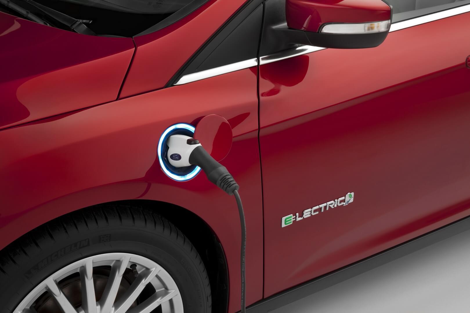 Фотография экоавто Ford Focus Electric - фото 5