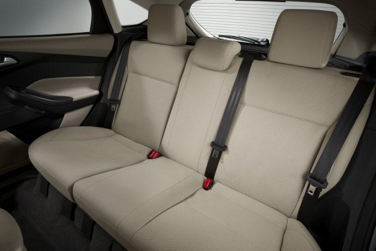 Задний ряд сидений Ford Focus Electric